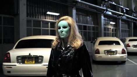 holy-motors-film--644x362.jpg