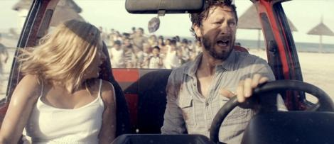 Ebon-Moss-Bachrach-and-Vinessa-Shaw-in-Come-Out-and-Play-2012-Movie-Image.jpg
